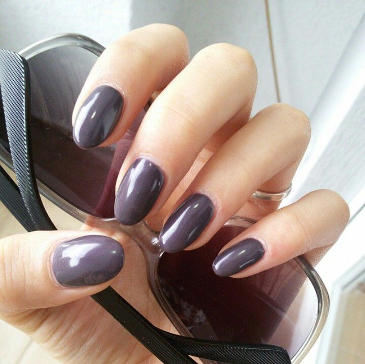 Purple-greyish nails