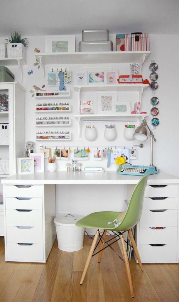 Best 25 art desk ideas on pinterest craft room design for Room organization