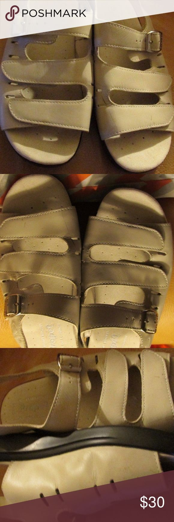 PROPET Soft Leather WALKING SANDALS Cream PROPET Soft Leather WALKING SANDALS Neutral Cream Beige SIZE 6 MEDIUM Propet Shoes Slippers