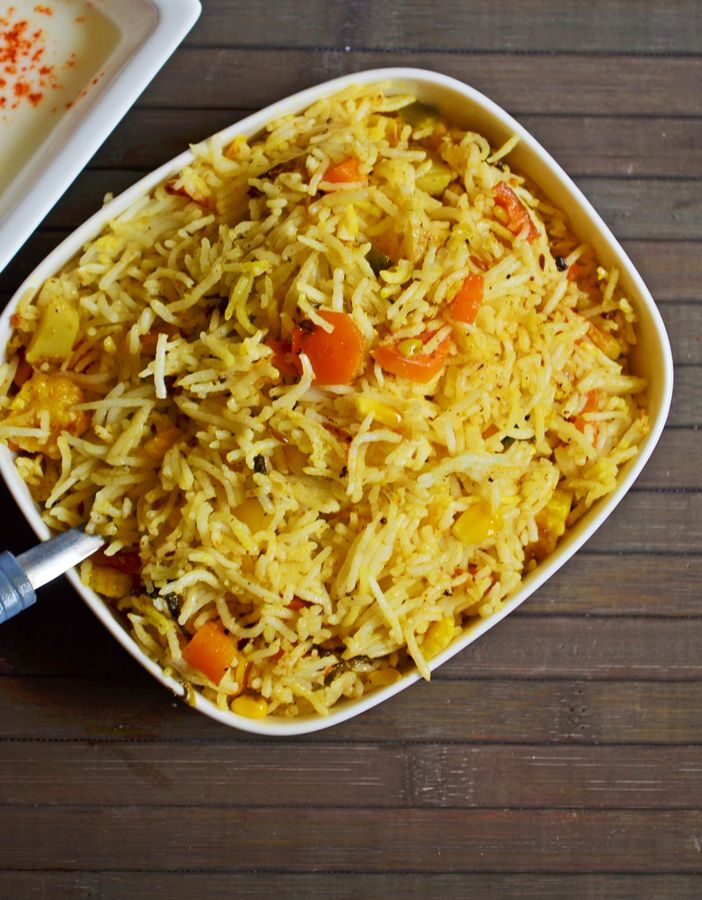 Vegetable pulao recipe,the restaurant way.Recipe @ http://cookclickndevour.com/2013/11/restaurant-style-vegetable-pulao.html