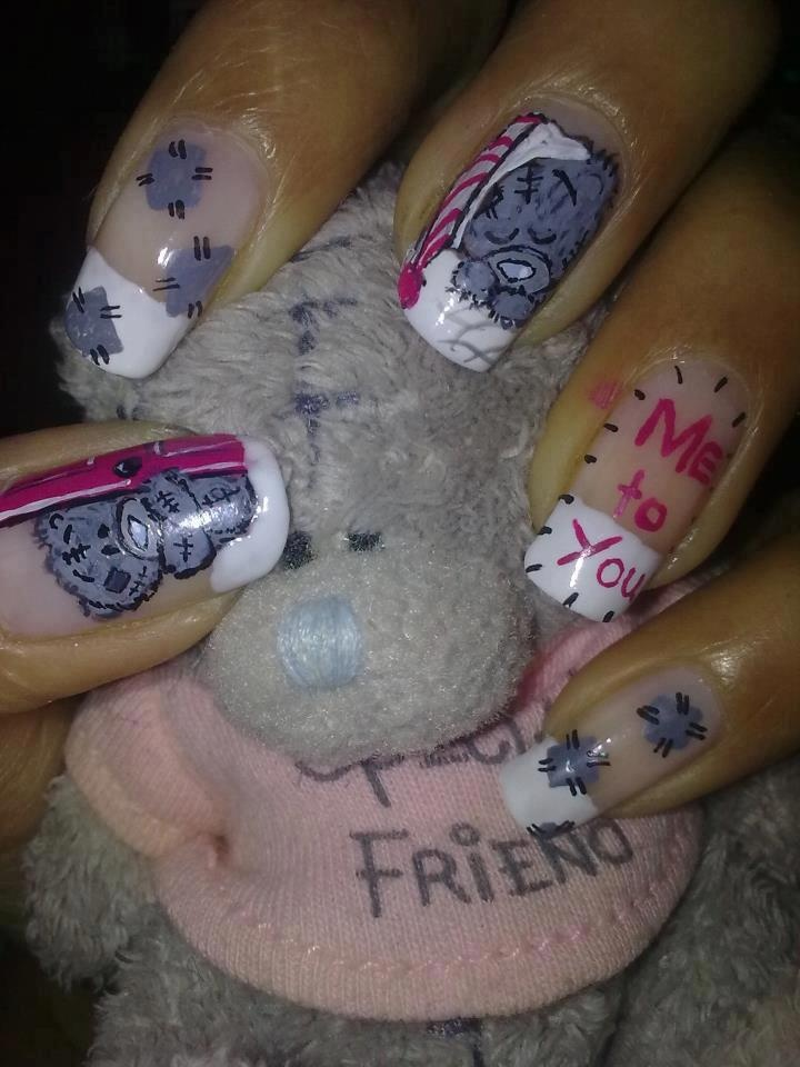 Cute lil teddy bear nail art
