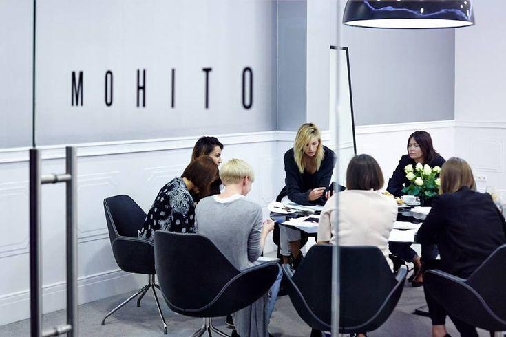 Anja Rubik dla Mohito - top modelka zaprojektuje nową limitowaną kolekcję marki, na zdjęciu m.in.z Karoliną Sołtan, współautorką limitowanych kolekcji Mohitoi Lucyną Szymańską, prezeską agencji D'Vision