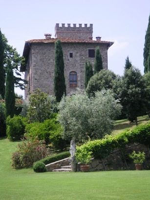 A visit to one of my favorite vineyards in Tuscany - Castello Monsanto.