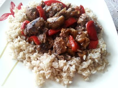 gotuję i piekę: wątróbka drobiowa z cebulą,pieczarkami,papryką