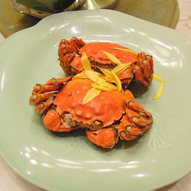 """. 上海グルメ蟹王府で贅沢蟹三昧上海蟹も美味しかった Shanghai gourmet 1: Molti granchi di lusso in """"SEIRYUKO"""". Anche il granchio di Shanghai era buono! Shanghai gourmet 1: Lots of luxurious crabs in """"SEIRYUKO"""". Shanghai crab was also delicious! . 素敵な邸宅レストラン蟹王府の個室でゆったりと食事を楽しみました 途中好きなの頼んで良いよとメニューを渡されお値段を見て椅子から転げ落ちそうになりました お義兄さんごちそうさまでした . #上海蟹 #granchi #crab # #蟹王府 #Chinatown #上海旅行 #上海 #Shanghai # #viaggio #travel #beautiful #happy #fun #smile #instalike #instadaily #instagood #photooftheday #インスタ映え #中華 #中華料理 #cinase…"""
