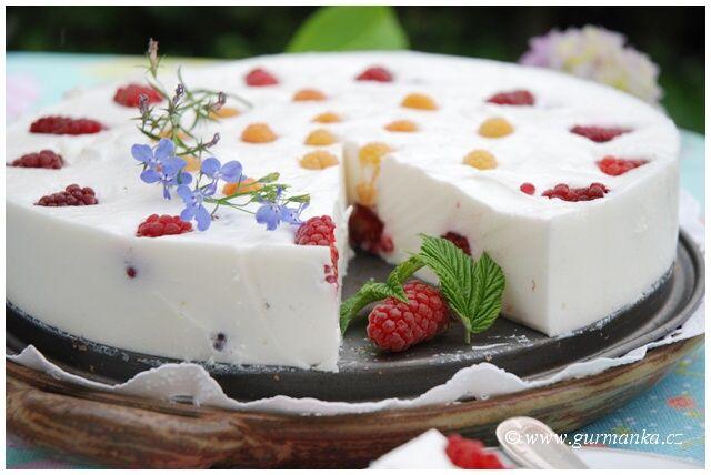 Ledový malinový dort, to je to pravé letní pohoštění