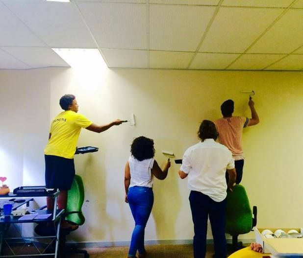 Looking for a team building exercise? Thanks to Design Mind Africa (www.designmind.co.za) for sharing a picture of how their team painted Smart Wall Paint whiteboard paint – together!. Anyone can prepare and paint Smart Wall Paint. Many of our customers choose to use professesionals but if you can mix two parts of paint, stir, and use a roller and roller tray, you can paint it on yourself. We advise that the roller is rolled ten times over an area, but only one coat is needed so you can make…
