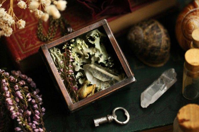 Vintage jewelry handmade copper pendant rectangular pressed flower Moss Crystal