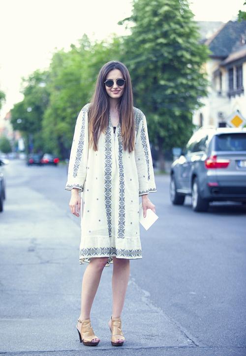 Romania  native romanian girl wearing Traditional Romanian dress~