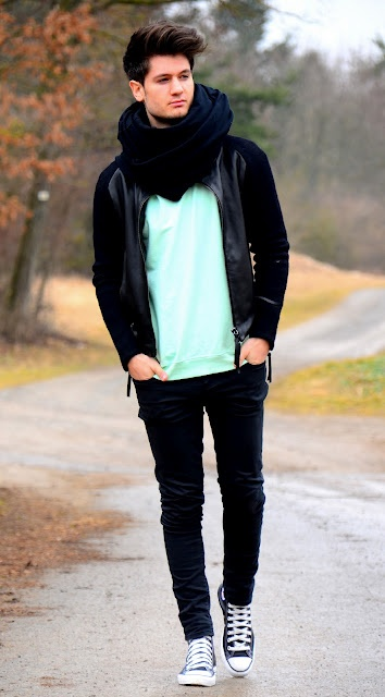 スヌードを使ったおしゃれなメンズの着こなしの画像