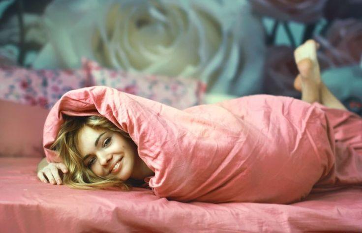 """Когда тебя кто-то любит — это как будто твое сердце завернуто в одеяло. (""""Дневник Бриджит Джонс"""")"""