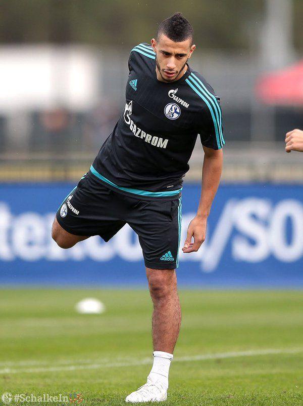 Schalke-Training für Younes #Belhanda