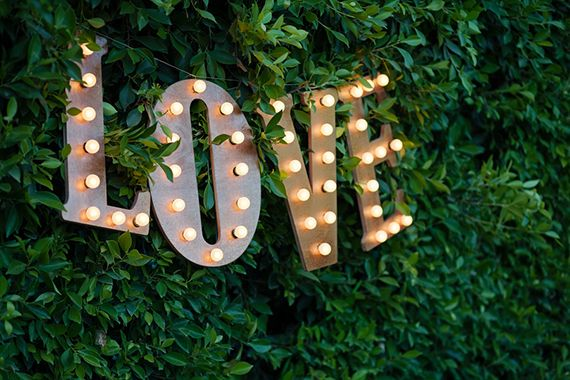 Love marquee wedding lights | photos by Frenzel Studios | 100 Layer Cake