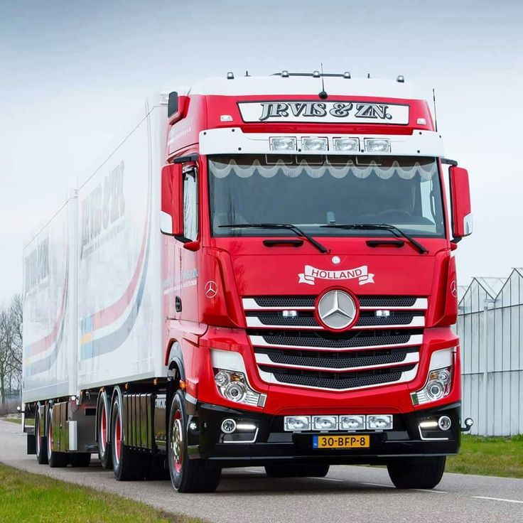 Kleyn Trucks is no.1 used commercial trucks and tractor unit's traders in Europe. If you are looking for Mercedes-Benz tractor unit, then Kleyn Trucks is the right place for you.