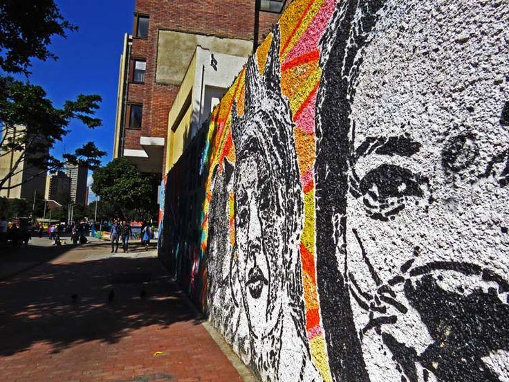 9. Graffiti de rostros por la Carrera Séptima en frente de la Torre Colpatria.