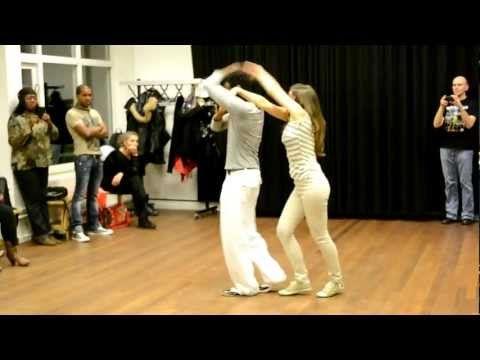 Salsa lessen Cubaanse Salsa( Casino Dance bij Sabor de Cuba) - YouTube