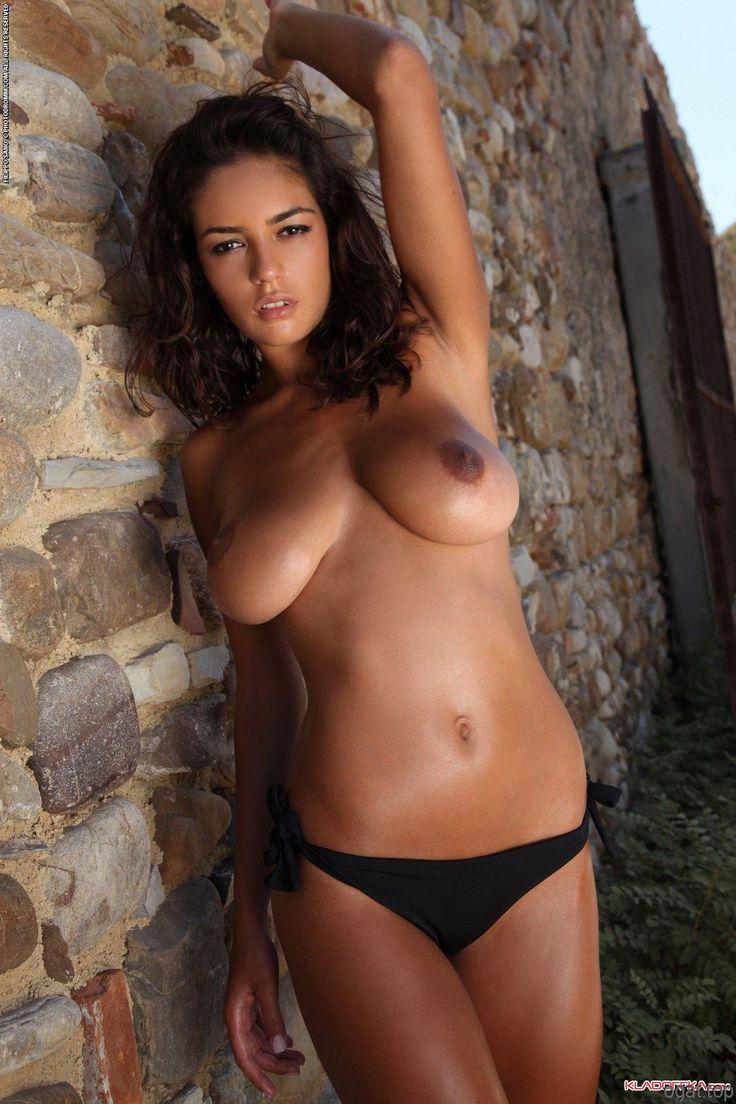 Skinny Girls Getting Naked