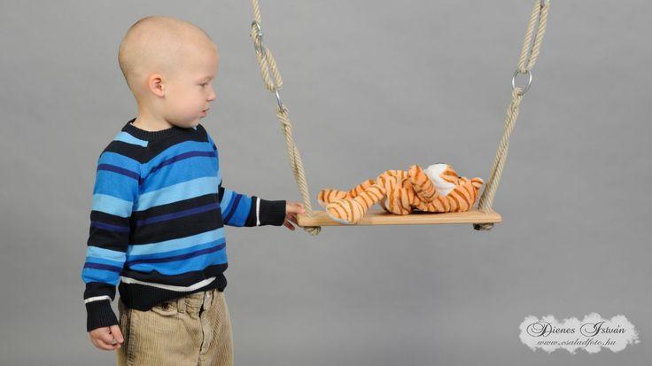 Gyermekfotózás műteremben   Csaladfoto.hu - Dienes István http://csaladfoto.hu/gyermekfotozas/