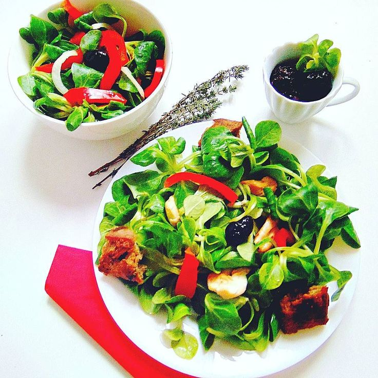 In green we trust. #healthy #healthyfood  #followall  #fit  #fitness  #foodphotography  #foodporn  #salad  #instafood  #instafollow  #instagood #cuisine  #vegetables  #yummy  #like4like  #followforfollow #thb  #throwbackthursday