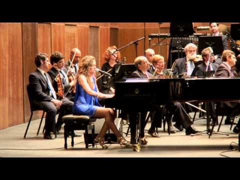 MARIA TOLEDO con la orquesta sinfónica de Córdoba -La del pelo alborotao - YouTube