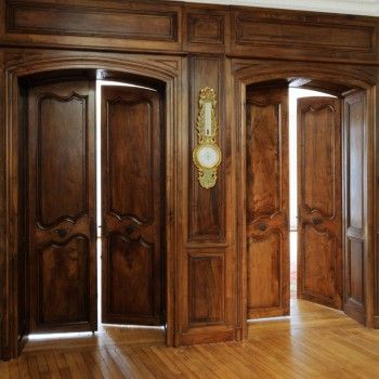 passage de porte en noyer 18 me si cle patrick delan paneling pinterest patrick o 39 brian. Black Bedroom Furniture Sets. Home Design Ideas