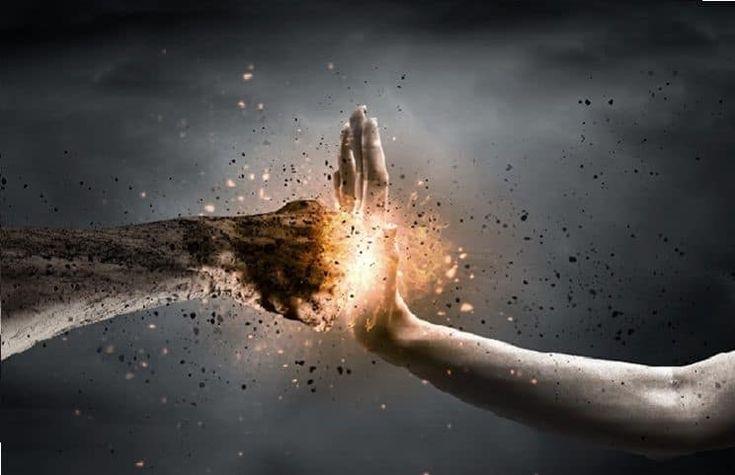 """Всемирно известный евангелист Билли Грэм, которого часто называют """"пастором Америки"""", объяснил, почему гнев является грехом, несмотря на то, что Бог тоже гневается. Отвечая на вопрос одного из читателей, 97-летний евангелист объяснил, что есть большая разница между гневом человека и гневом Бога. """""""