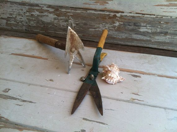 Gardening tools rusty gold vintage hand trowel by happydayantiques, $20.00
