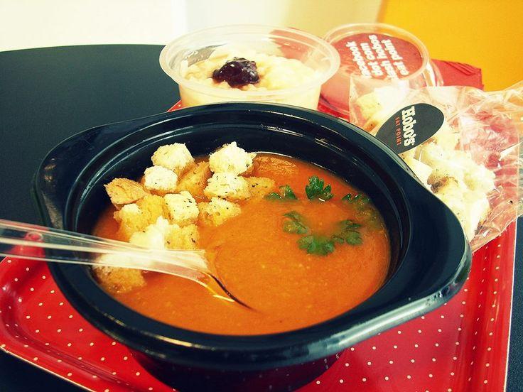 #Supă cremă de roșii cu crutoane si busuioc