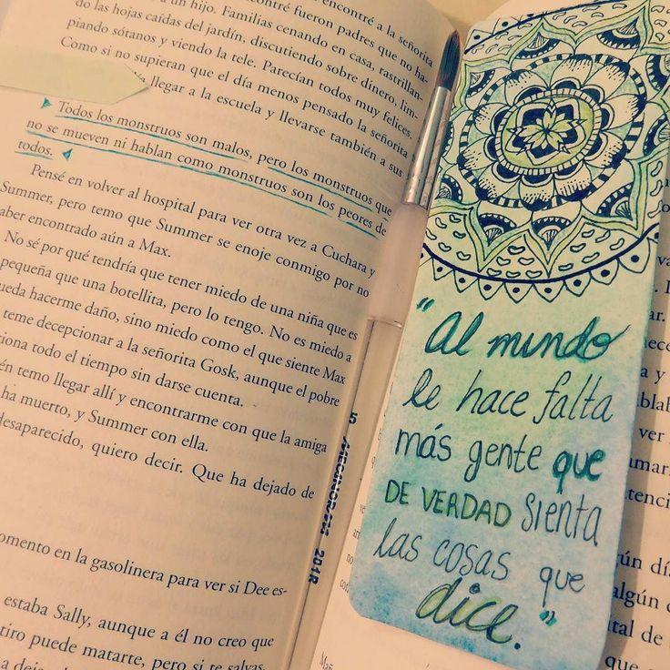 "#books #libros #frases #leer #soñar #amar #imaginar #imaginacion #inspiracion #diseño #separador #acuarela #zentangleart #mandala #mundo #world #personas #sentirloquedices #blue #green #lineart #detalles #artistic \/ Frase ""Todos los monstruos son malos pero los monstruos que no se mueven ni hablan como monstruos son los peores de todos"" #libro #memoriasdeunamigoimaginario #matthewdicks by kary_danlife"