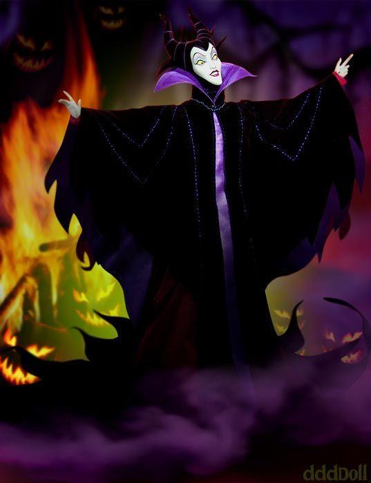 Idea trucco per Halloween: la Disney nail art delle ragazze americane. http://www.thebeautypost.it/5531-halloween-beauty-mood-la-disney-nail-art-delle-ragazze-americane/  #beautycartoon #cartoondisney #nailart #maleficent