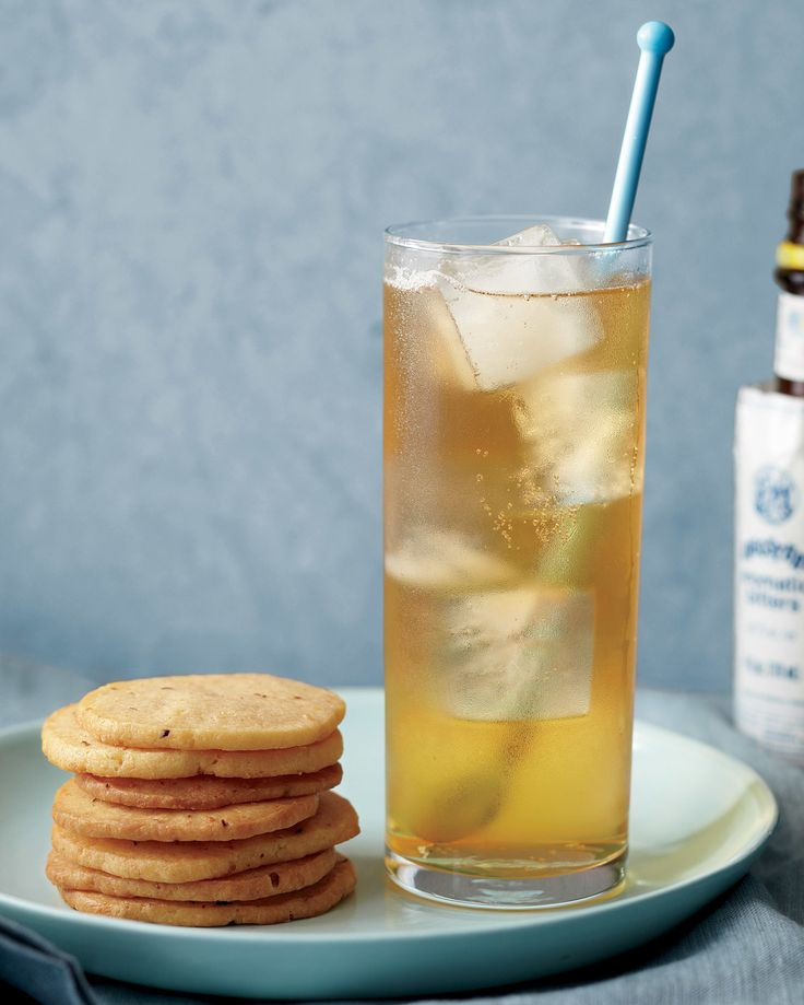 Making this traditional cocktail is simple; it's equal parts whiskey or bourbon, club soda, and ginger ale.