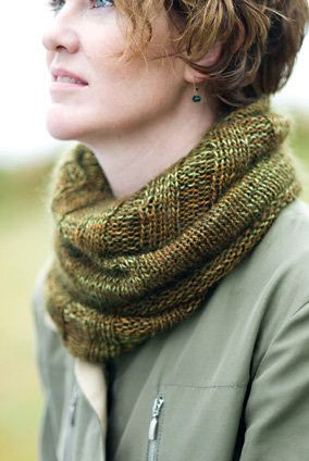 Annabella's Cowl Our friend Annabella Serra rarely knits from a pattern. She just takes off and makes it up as she goes! We love this cowl she created, with its lavish length and unexpected switch fro