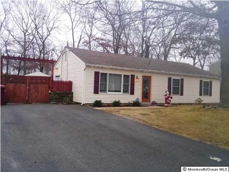 3 bedroom, 1 bath ranch with a large, fenced back yard available for rent. Bedrooms and living room have ceiling fans,crown molding through out, updated bathroom with deep soaking tub. Roof, central air and furnace are about 7 years old. Trex deck and shed in back yard. Appliances are newer and will be left for tenants use - washer, dryer, dishwasher, refrigerator, microwave and stove. Ceiling fans in all bedrooms and living room. Tenants must have renters insurance.