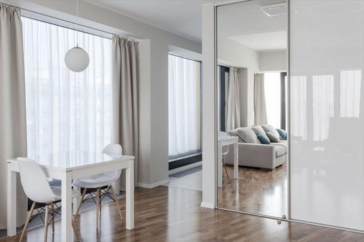Stylowe mieszkanie we Wrocławiu. / Scandinavian style, interior, mirror