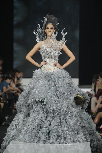 Tex Saverio (Indonesian designer) haute couture dress - He took the inspiration for the dress he made for the Hunger Games from this dress