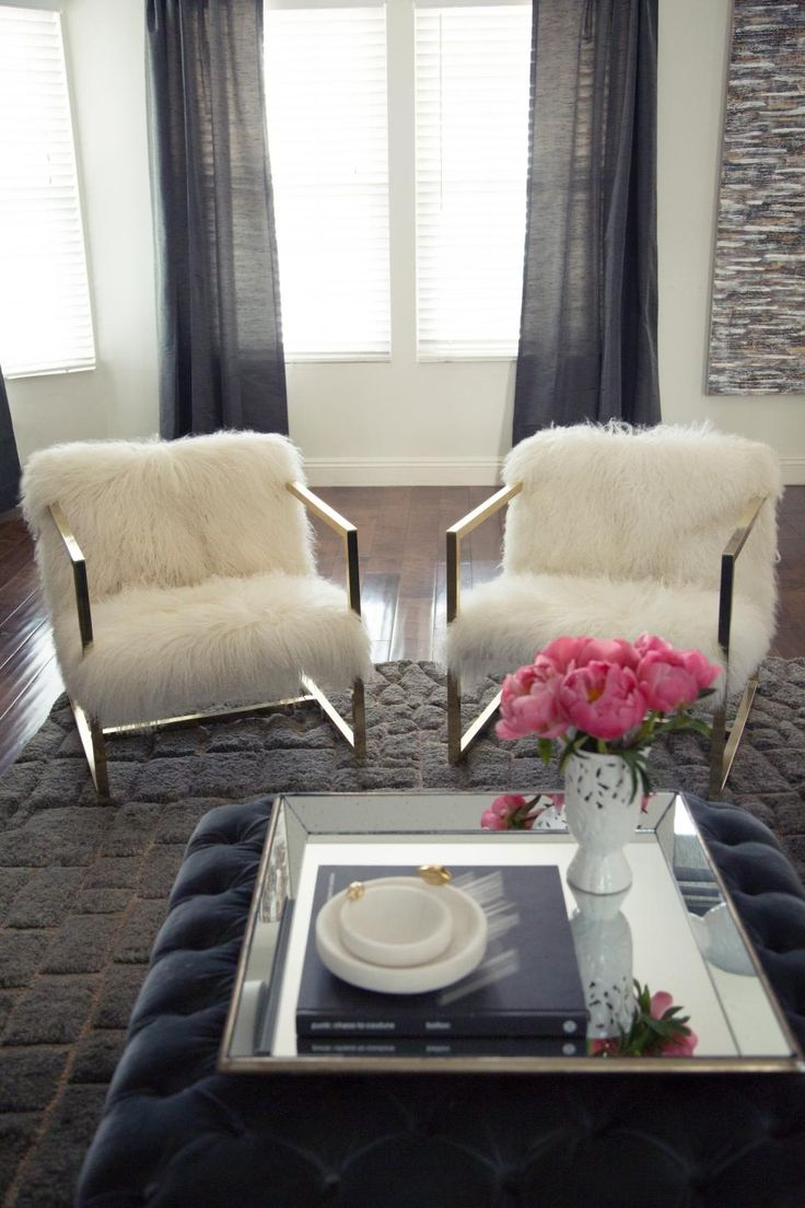 1000 ideas about ottoman coffee tables on pinterest - Living room with ottoman and coffee table ...