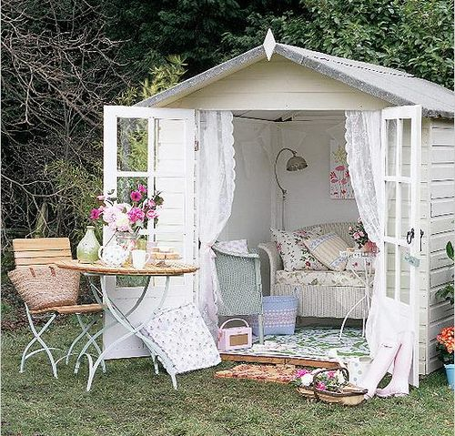 Garden shed! Now this is my idea of a Garden Shed!!