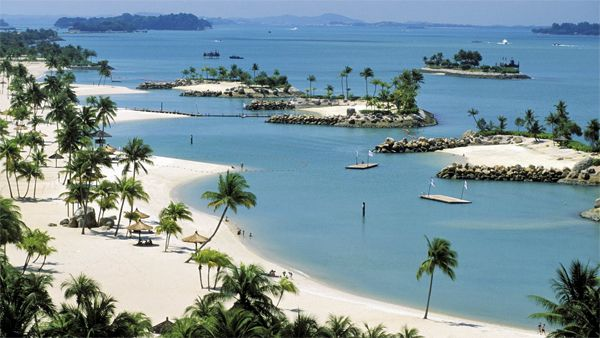 Singapore Beaches are full of fun. Here's the list of 8 popular beaches in Singapore including the beaches in the Sentosa Island and the east coast beaches.