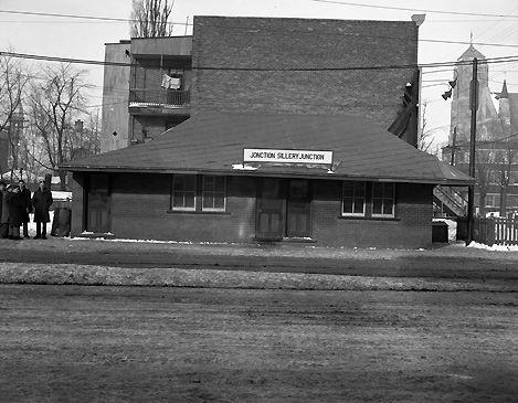 Ville de Québec -Gare de Tramway .La jonction de Sillery 24/1/1946.