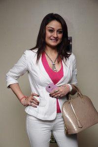 Actress Sonia Agarwal New Pics - Sonia Agarwal Latest Photos - Sonia Agarwal Latest Photos - Sonia Agarwal New Pictures - Sonia Agarwal New Stills @filmazaa.com