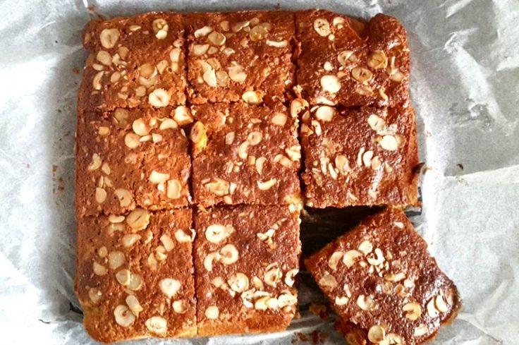 Glutensiz kek, çölyak hastalarının rahatlıkla yiyebileceği gluten, beyaz şeker içermeyen, kinoa unuyla yapılan sağlık deposu bir kek tarifi .