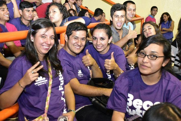 Estudiantes del CECyTEM ya han recibido los apoyos de Beca Futuro, informó la directora general del subsistema, María del Carmen Escobedo – Morelia, Michoacán, 10 de mayo de 2016.- Estudiantes ...