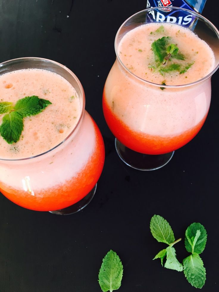 Strawberry and mint lemonade