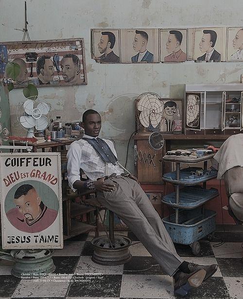 17 meilleures id es propos de enseigne de coiffeur sur pinterest salon de barbier et. Black Bedroom Furniture Sets. Home Design Ideas