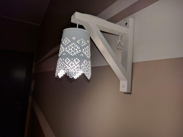 Aplique fatto con reggimensola Ikea e candeliere Ikea
