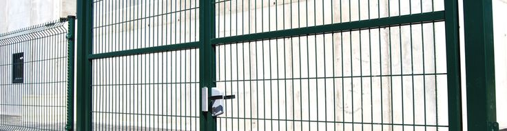 Puertas batientes Ligeras. #valla, #vallas, #vallado, #vallados, #mallas, #mallas-metalicas, #vallas-jardin y #cerramientos-vallas. Más información en www.rivisa.com