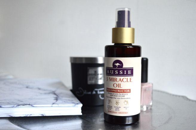 Revue sur l'huile pour cheveux Aussie 3 Miracle Oil Reconstructor.