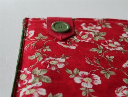 iPad/Tablet Sleeve - Red Roses