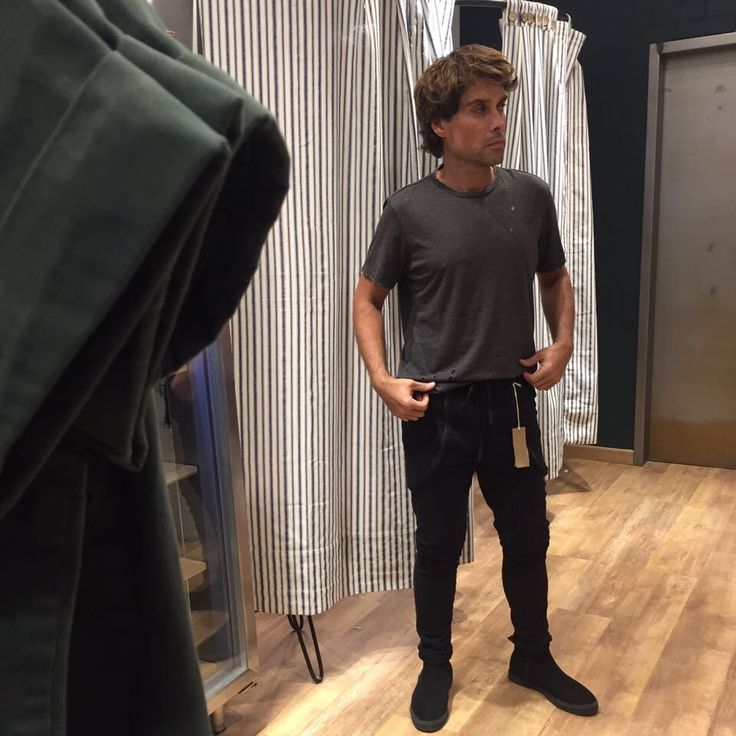 Charlie también ama las prendas de @neim_official #whatsyourneim #opening #neimmarket