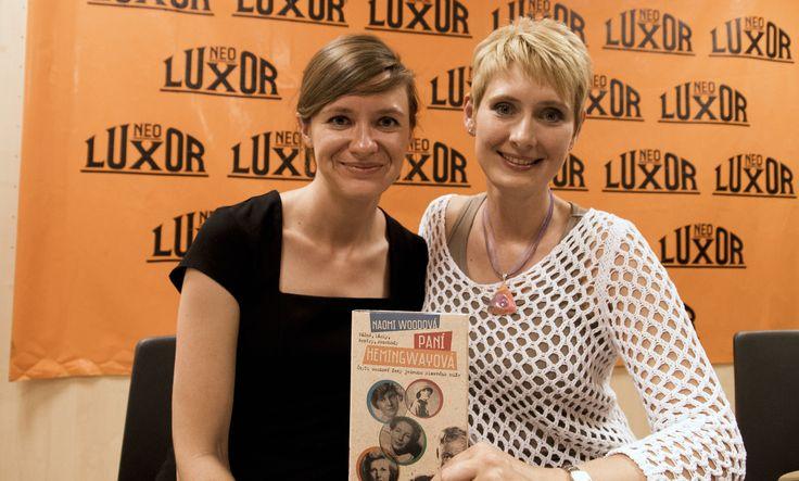 Naomi Wood a překladatelka Eva Fuxová